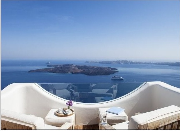 Villa for rent in Santorini with magical view
