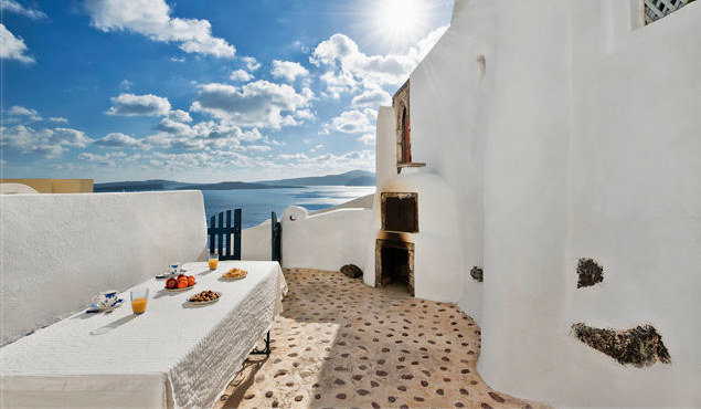Caldera Cave Suite for Rent Santorini