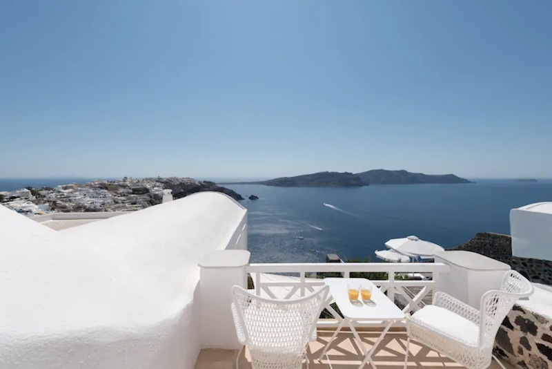 Breathtaking 3 Beds Villa at Caldera in Oia, Santorini