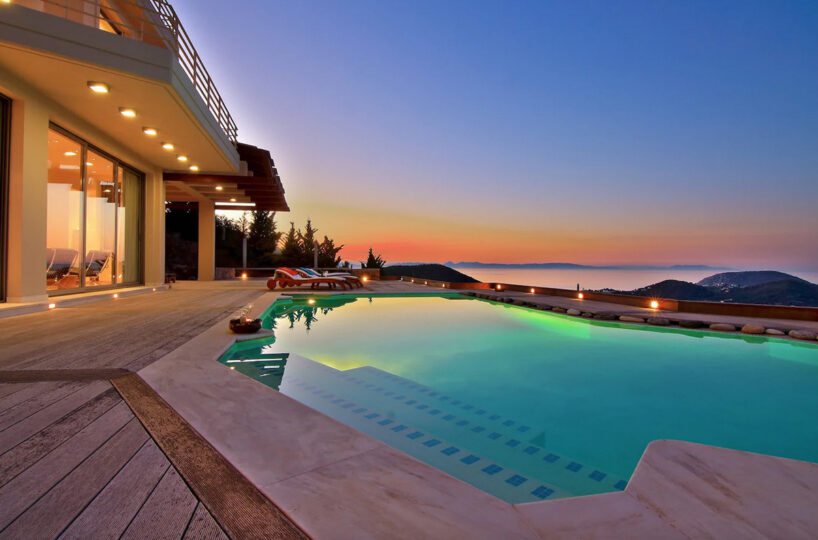 Luxury Holiday Villa with Pool and Sea Views