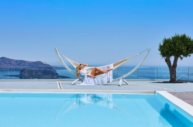 Villa at Caldera Santorini for Rent, Santorini, Santorini Villas, Villas in Santorini 2019, Santorini villas with infinity pools, Villas in Santorini