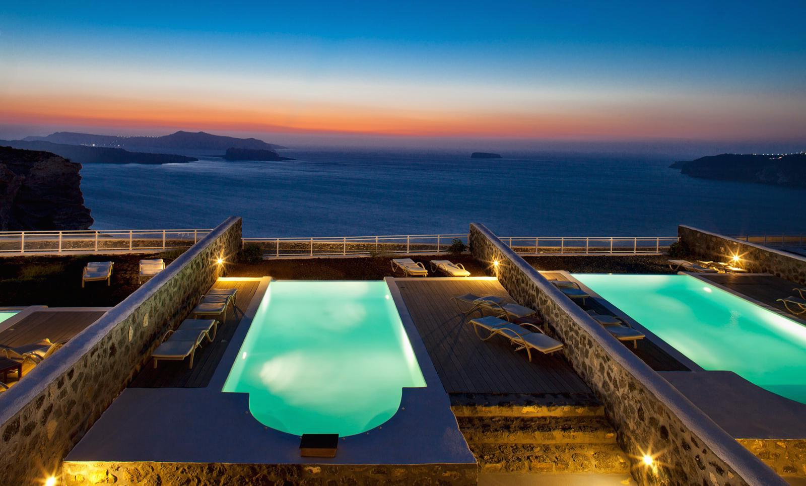 Luxury Summer Villa in Santorini