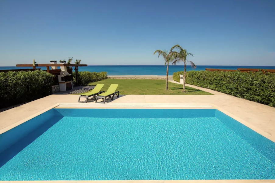 Seafront Villa for rent in Rhodes