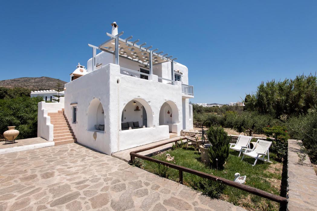 Traditional Cycladic Villa in Paros, Dryos