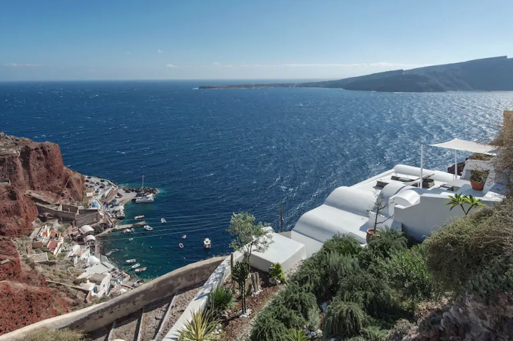Amazing Caldera Cave House in Oia Santorini for Sale