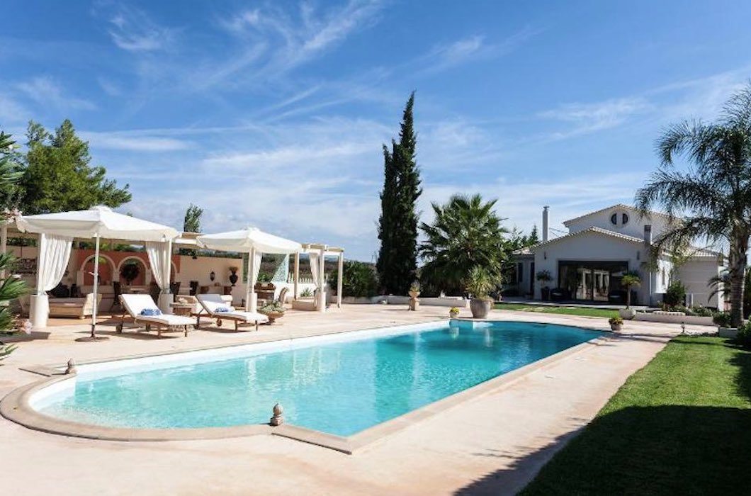 Beautiful pool villa near Athens airport and Porto Rafti,Attica