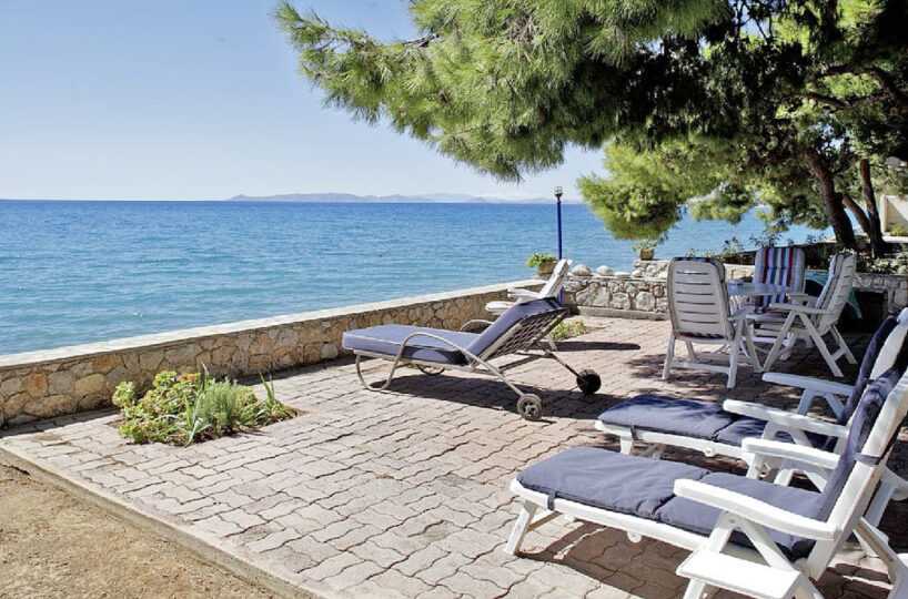 Seafront Villa at Kineta Athens for rent