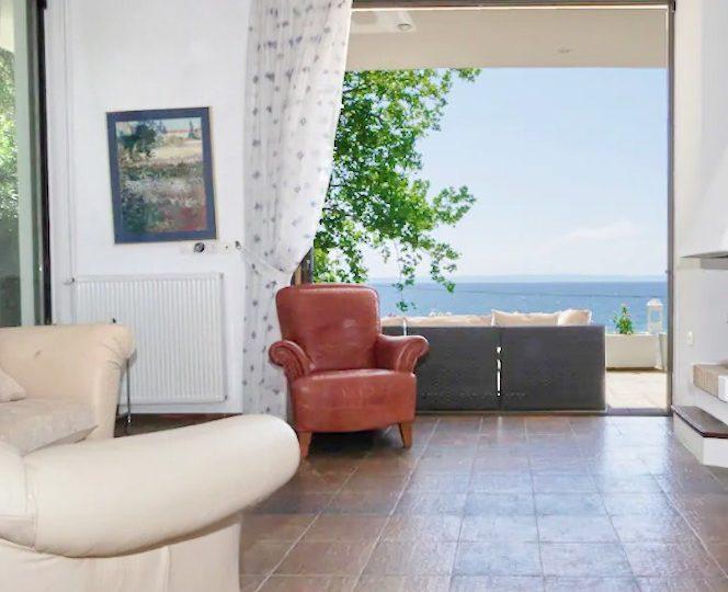 Seafront Villa in Nikiti Halkidiki