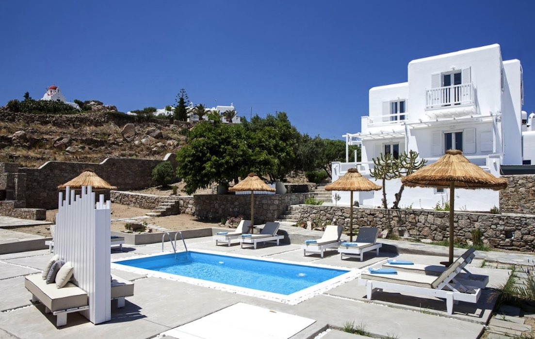 Villa Mykonos near the sea at Ornos