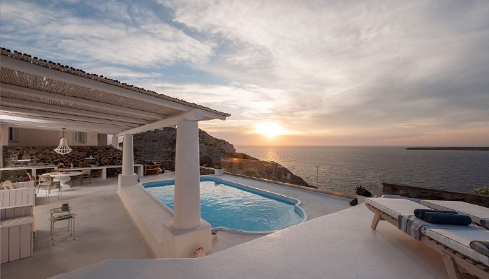 Santorini Oia VIlla with Pool. Luxury villas, Greek island villa, Villas for rent,  Holidays villas, Rental villas Greece.
