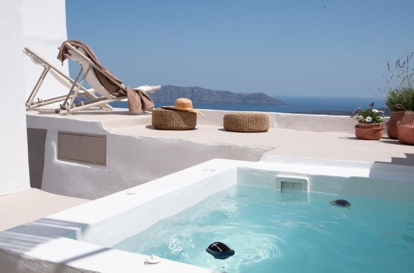 Caldera suite at Fira Santorini (10)