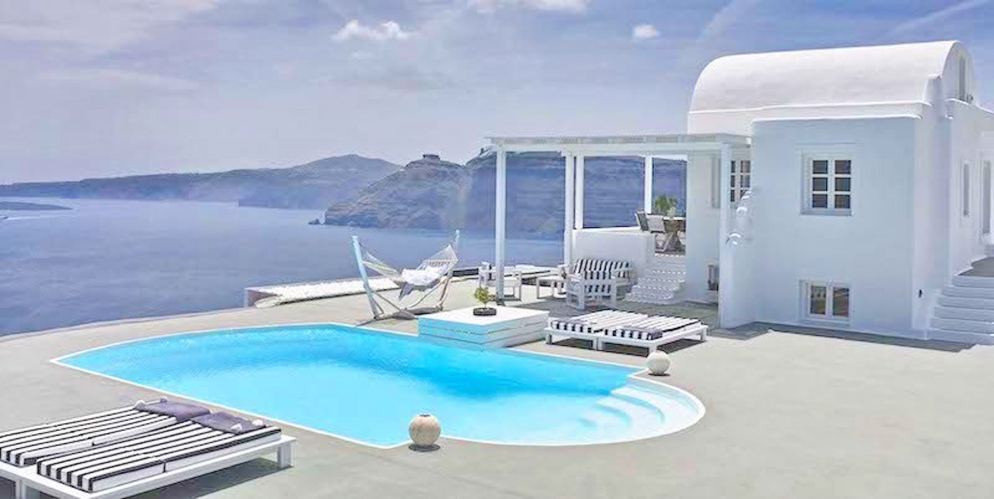 Villa at Caldera of Oia Santorini for Sale, 12.800 sqm Land