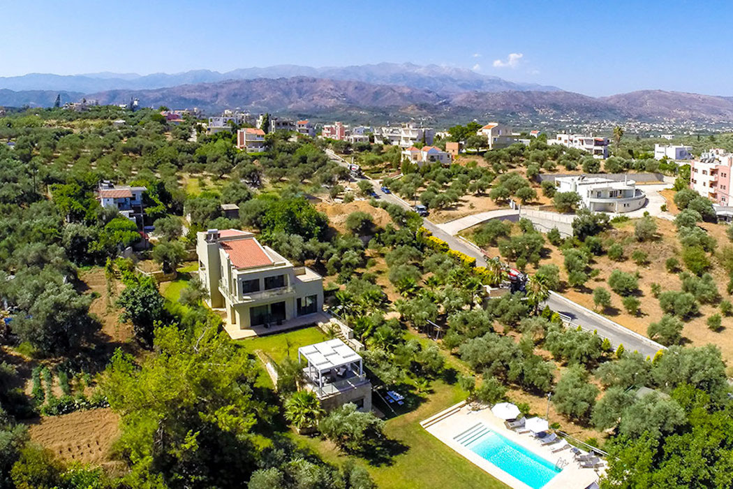 Villa to Rent Agia Marina Platanias Crete, Rent Villas Greece 1