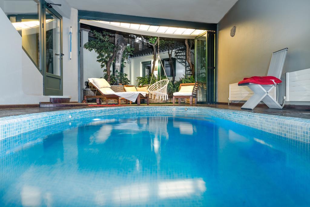 Kallimarmaro Residence, Rent Villas Athens